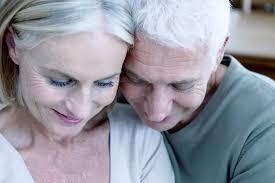 Maison de retraite, espace pour répondre aux besoins de socialisation des personnes âgées