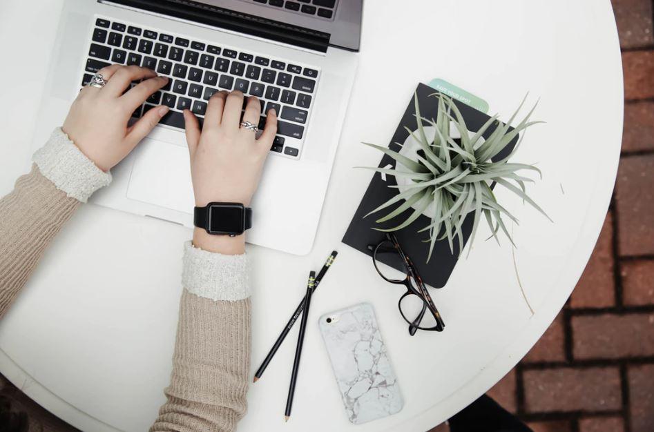 Quand et pourquoi faire appel à un rédacteur web freelance?